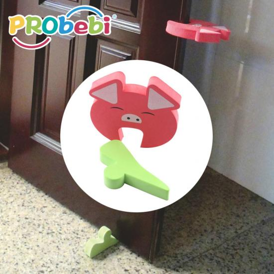 Dual purpose door guard for baby